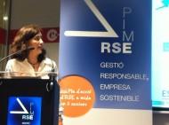 Silvia Ayuso i Xavier Carbonell, de la Càtedra Mango, presentant estudi sobre la integració del desenvolupament sostenible a les pimes catalanes, en l'acte de llançament del programa RSE.Pime que va tenir lloc el 13 de maig del 2015.