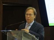 El Dr. Josep Santacreu intervenint a la jornada sobre RSE i envelliment