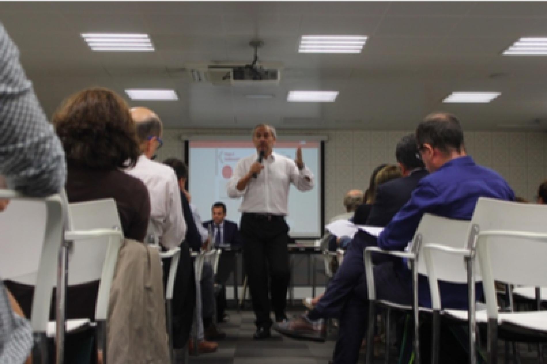Més de 80 persones representants d'empreses, institucions i organitzacions socials comparteixen els reptes per avançar cap a la revolució ètica en els negocis